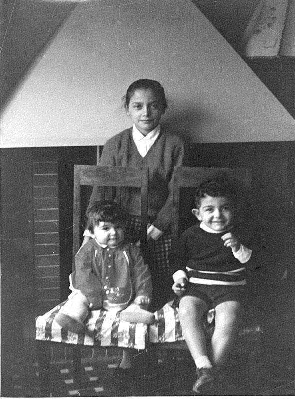 1962 - Michela, Antonio e Laura nella casa dei nonni ad Orani