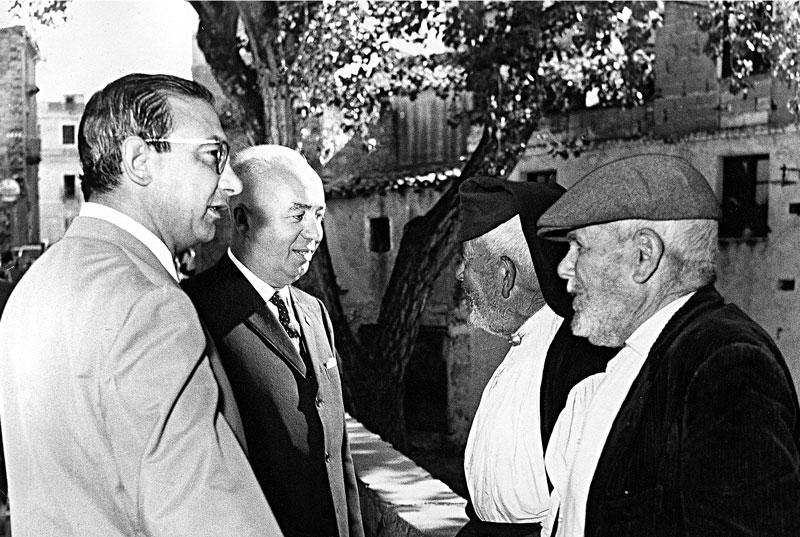 1967 - Il Ministro dell'Interno Paolo Emilio Taviani in visita ad Oliena