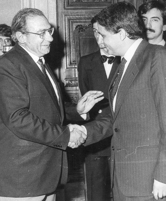 1984 - Cagliari, con l'on. Emanuele Sanna dopo l'insediamento della Giunta e del Consiglio regionale