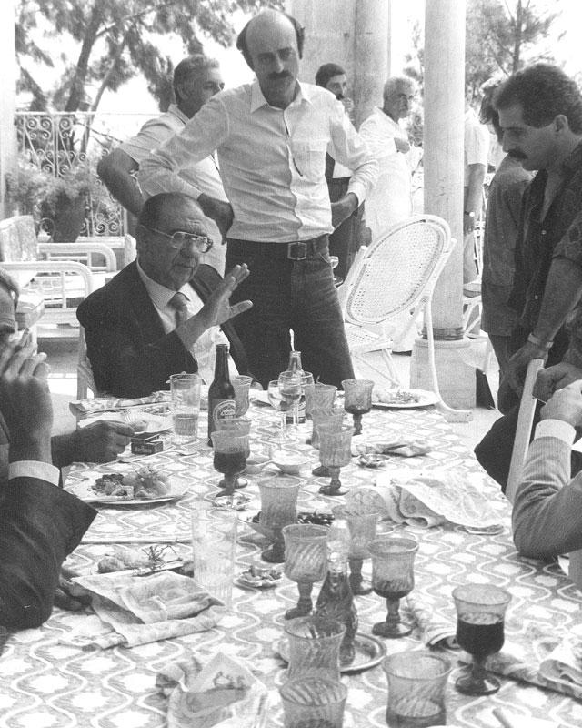 1986 - In compagnia di Walid Jumblat durante un viaggio del Presidente e di alcuni assessori in Libano