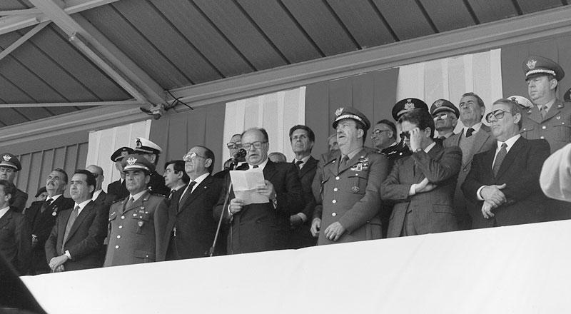1989 - Sassari Visita del Ministro della Difesa Valerio Zanone