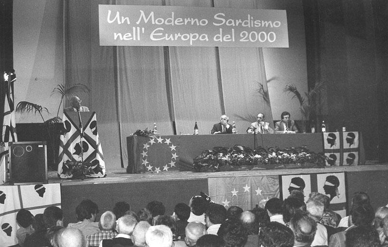 """1994 - Macomer """"Un moderno Sardismo nell'Europa del 2000"""" , convegno"""