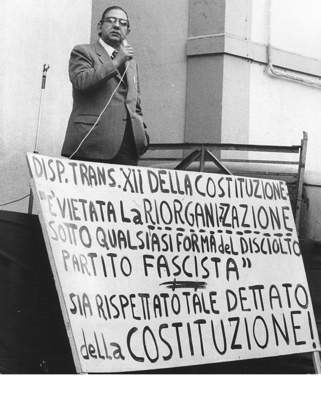 anni-70, Comizio in piazza